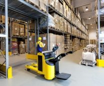 5 Ways to use Technology to Run a More Productive Warehouse