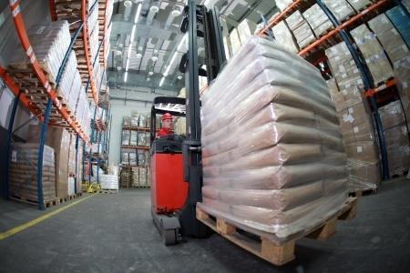 forklift_warehouse