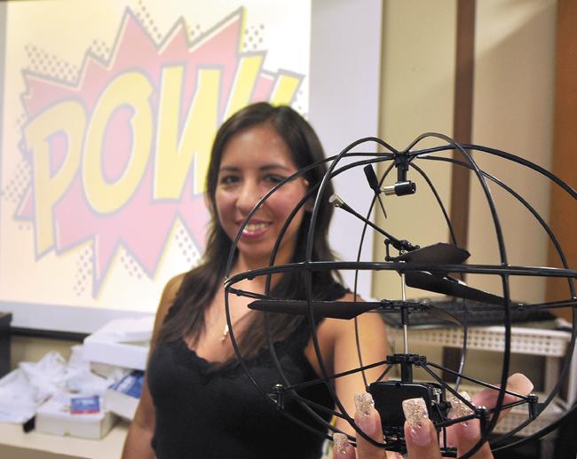 Katia_Vega_Mini_Drone