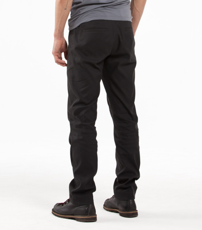 302-OUTLIER-Futureworks-Back