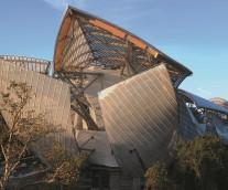 【Frank Gehry設計の最新ランドマーク】ルイ・ヴィトン ファウンデーション・フォー・クリエーション: ブローニュの森に誕生した斬新な美術館