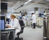 【「自動」から「スマート」へ】医薬品・医療機器業界の製造データを実用的な知識に変える