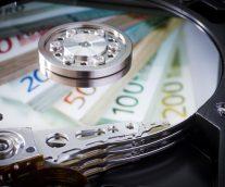 <ダッソー・システムズコーポレートマガジン>【規制から生まれた錬金術】金融業界は監視体制の強化を、いかにして業務効率の向上へと変容させているか