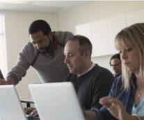 マイクロクレデンシャルで従業員が短期間でスキルを再習得